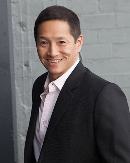 Portrait photo of Eric Wang